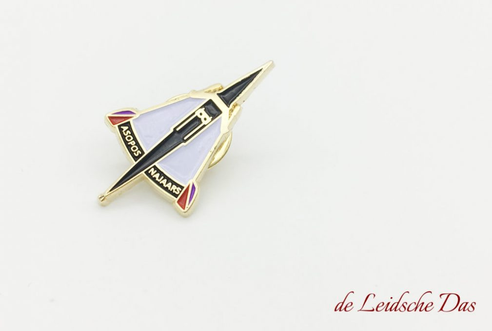 Order pins custom made in your personalized lapel pin design, Custom made lapel pins