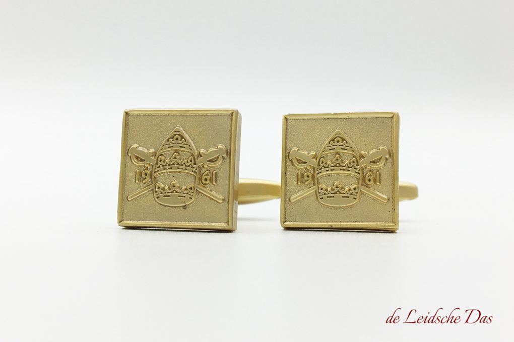 Specialist in making cufflinks in your personal design, cufflinks with a crest, emblem or logo