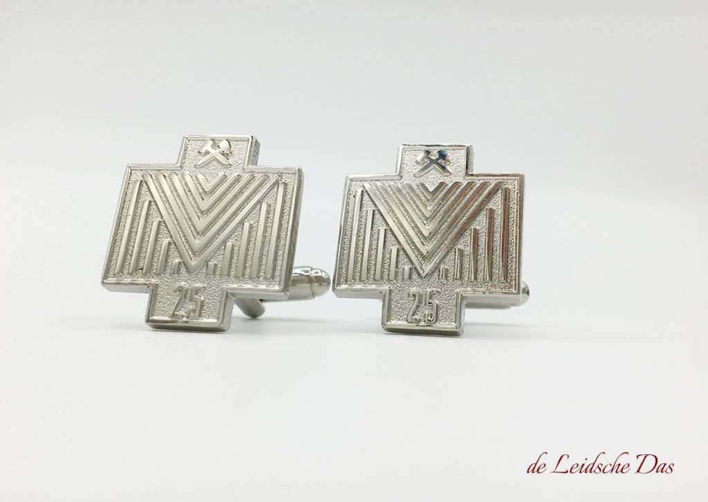 Cufflinks with a logo custom made in a personalized design