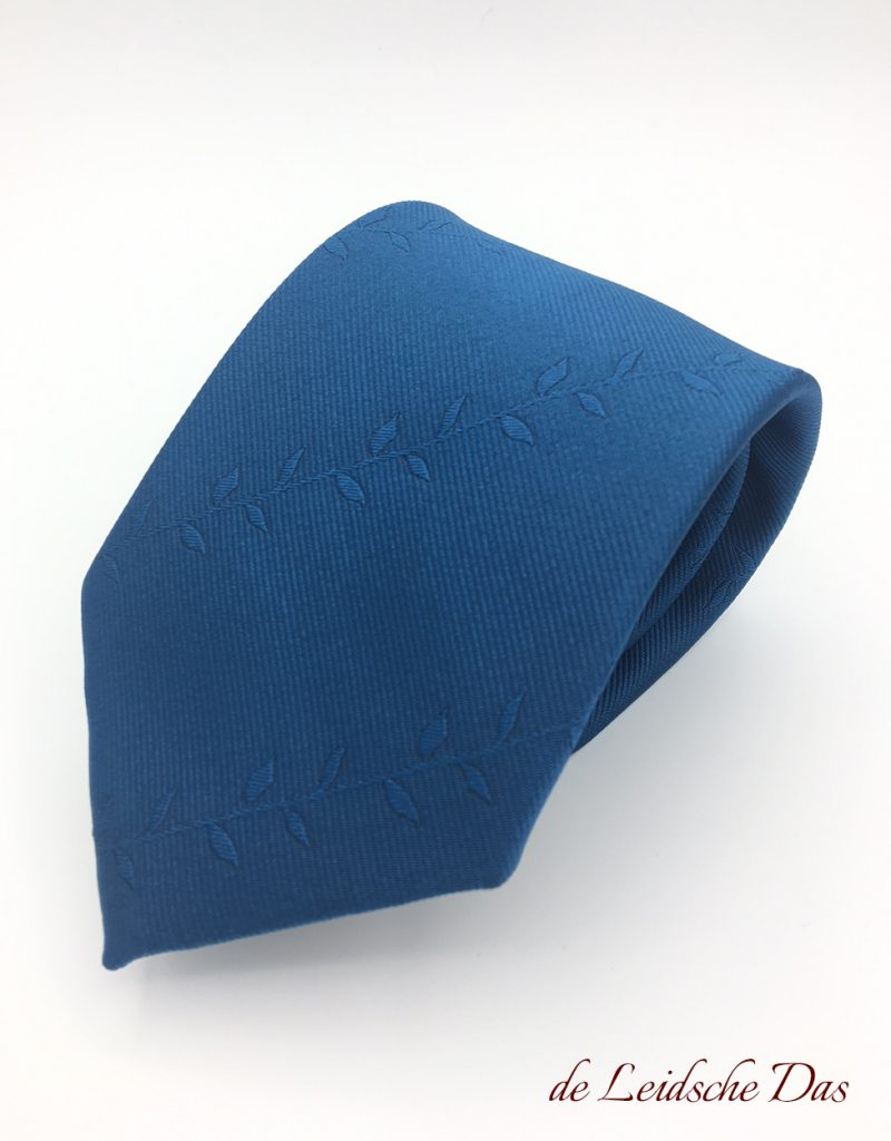Custom made ties with a motif and without logos, neckties custom woven in your custom tie design
