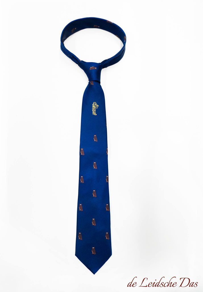 Customized necktie without stripes with recurring logo, custom ties for companies and clubs