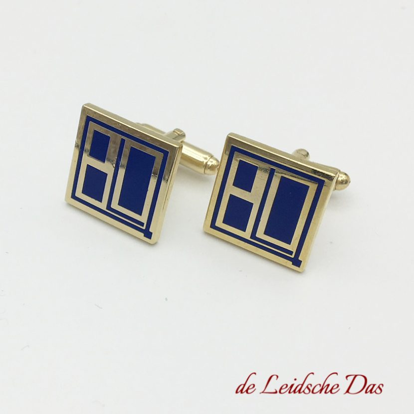 Personalized square shaped cufflinks made to order by cufflinks manufacturer the Leidsche Das